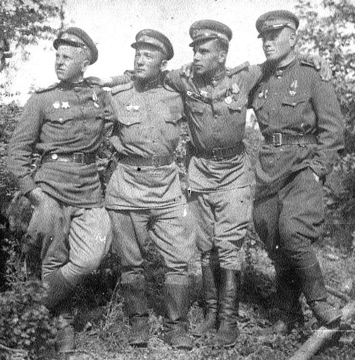 Sovietski stíhací piloti v boji nad Slovenskom