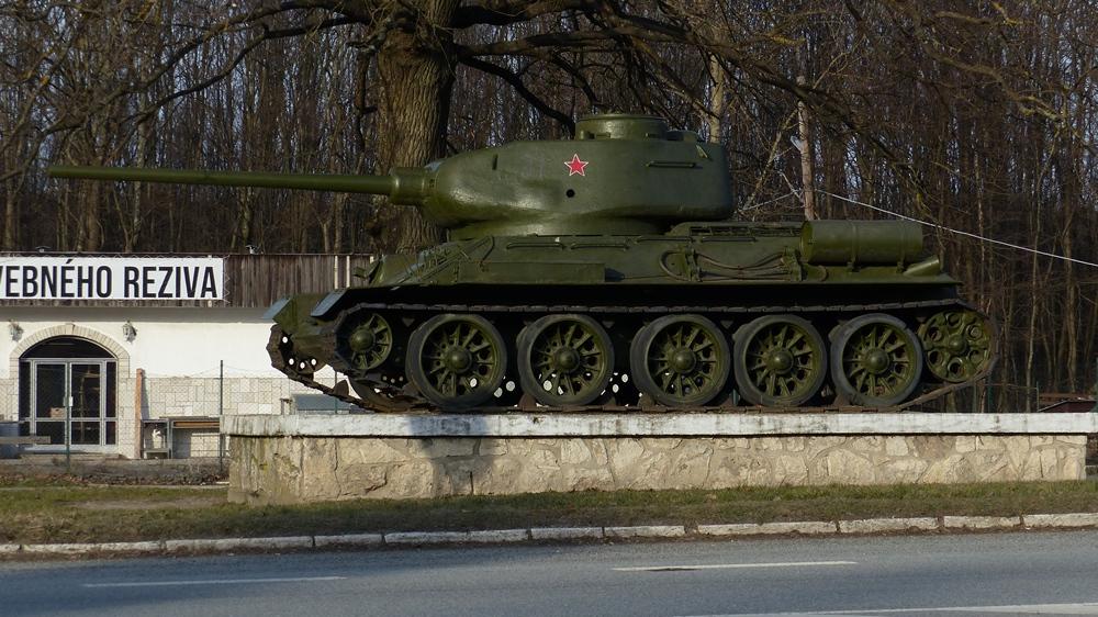 Stredný tank